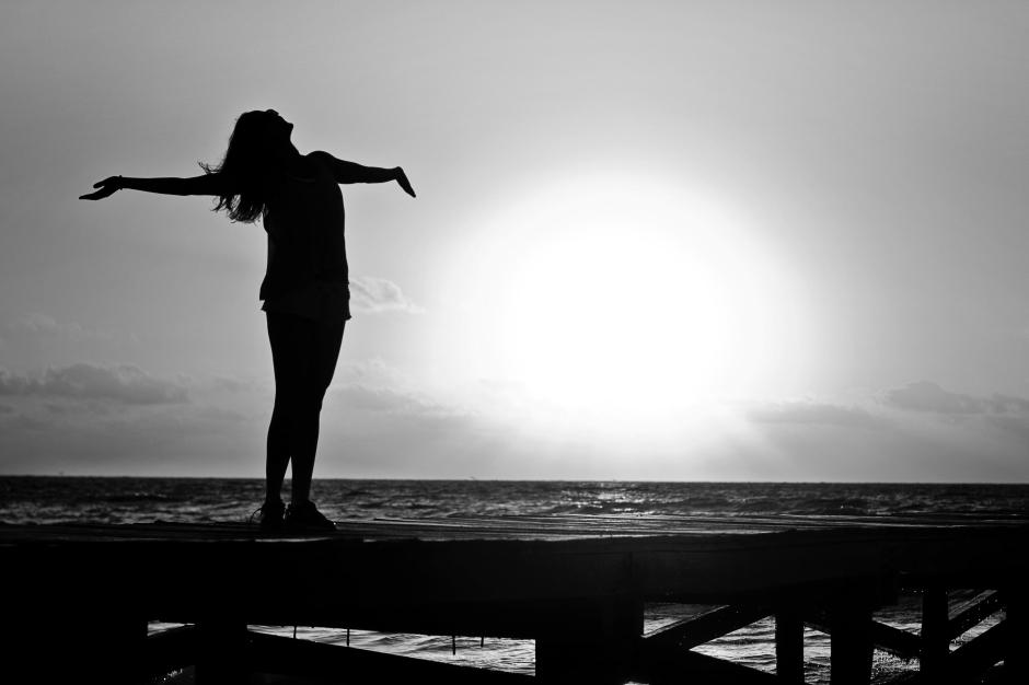 woman-girl-freedom-happy-39853-bw